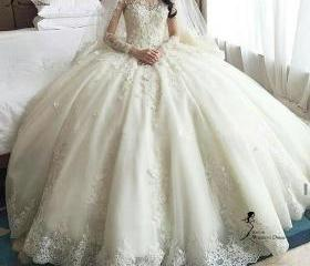 luxury wedding dress..