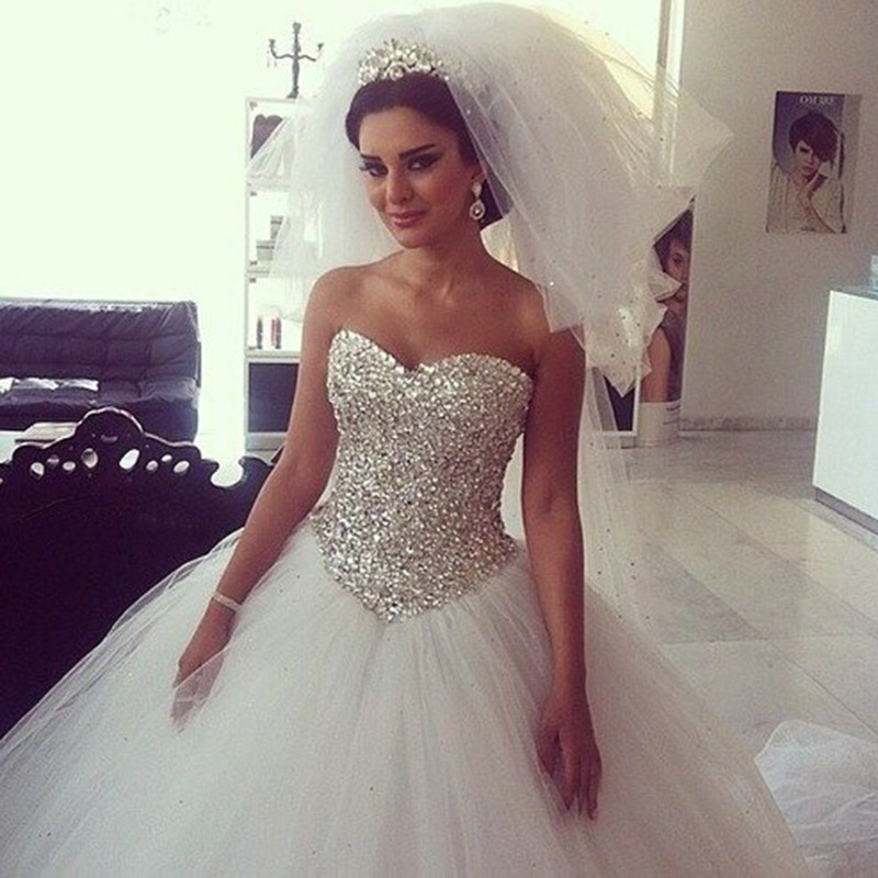Bling Crystal Sweetheart Princess Wedding Dresses White Tulle Ball Gowns  Bridal Dress Vestido De Noiva 6f9314f5043a
