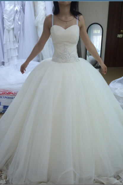 Ball gowns Tulle Wedding Dresses White Straps Bridal Gowns Custom Made