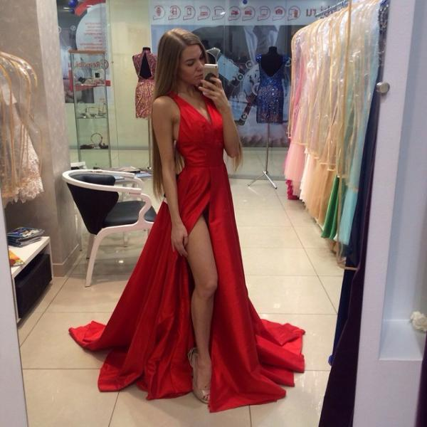 Real Sexy Cheap Front Split formal Dresses,Simple Long Party Dresses,Deep V-neck Evening Dresses,Custom Made Prom Dress On Sale,Pretty Handmade Tulle and Lace Burgundy Prom Dresses, Burgundy Prom Dresses, Lace Prom Gown, Formal Dresses, Party Dresses, Evening Gown, Formal Gowns,custom dresses